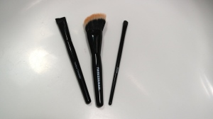 (L to R) Tweezerman Brush iQ Contour Concealer, Finishing Contour and Shader