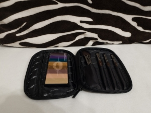 MUFE travel brush set