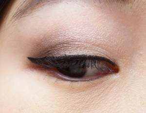 Pink Highlight on lid, Brown in outer v