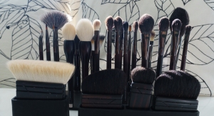 Rae Morris Collection Set (two brush holders in front not included in set)